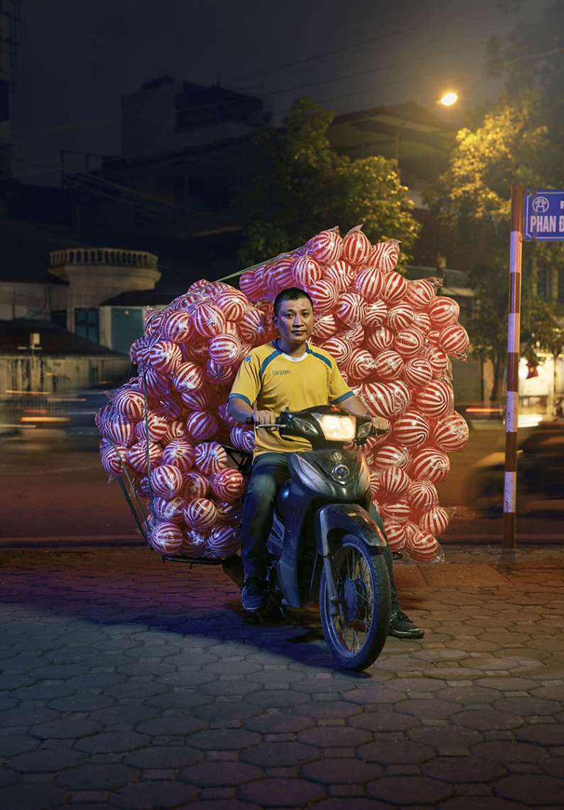 Hanoi ball man rt