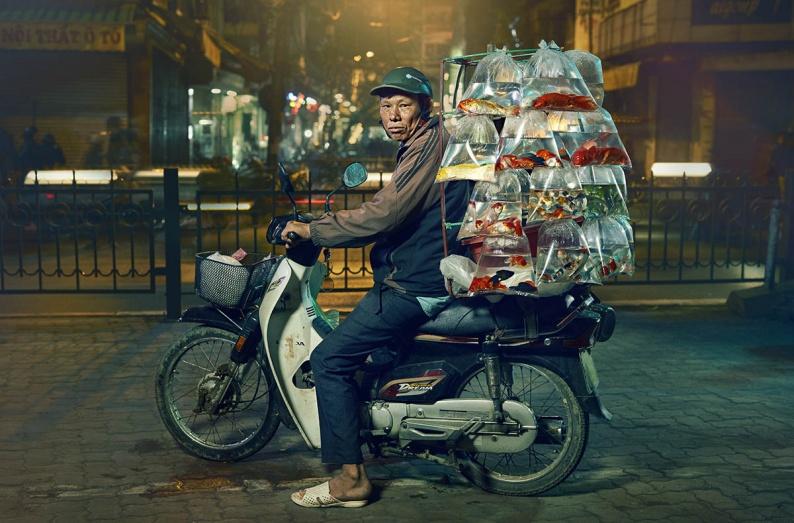 Hanoi fish man rt straight