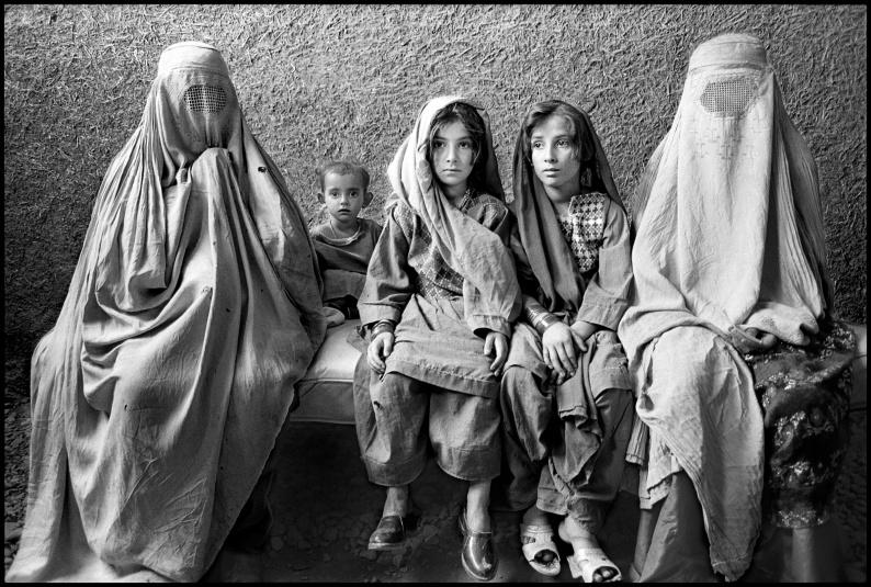 01 MarissaRoth AfghanWomenandChildrenRefugees jpg