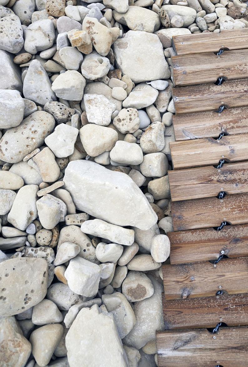 White stones boardwalk