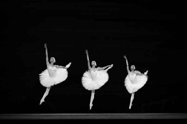 05 Photographer Simon Tomkinson The Bolshoi Swan Lake
